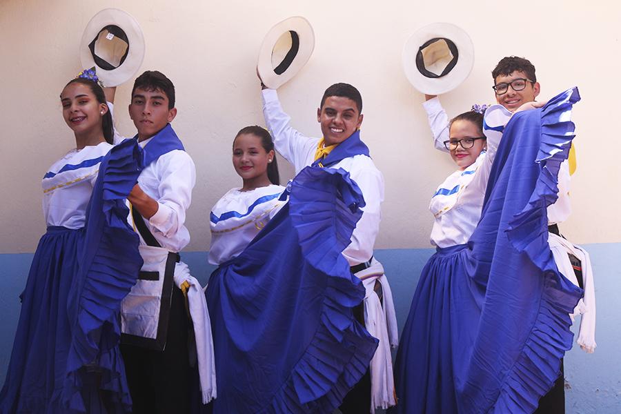 Aprender danza para acercarnos a la tradición, el cuidado y la familia