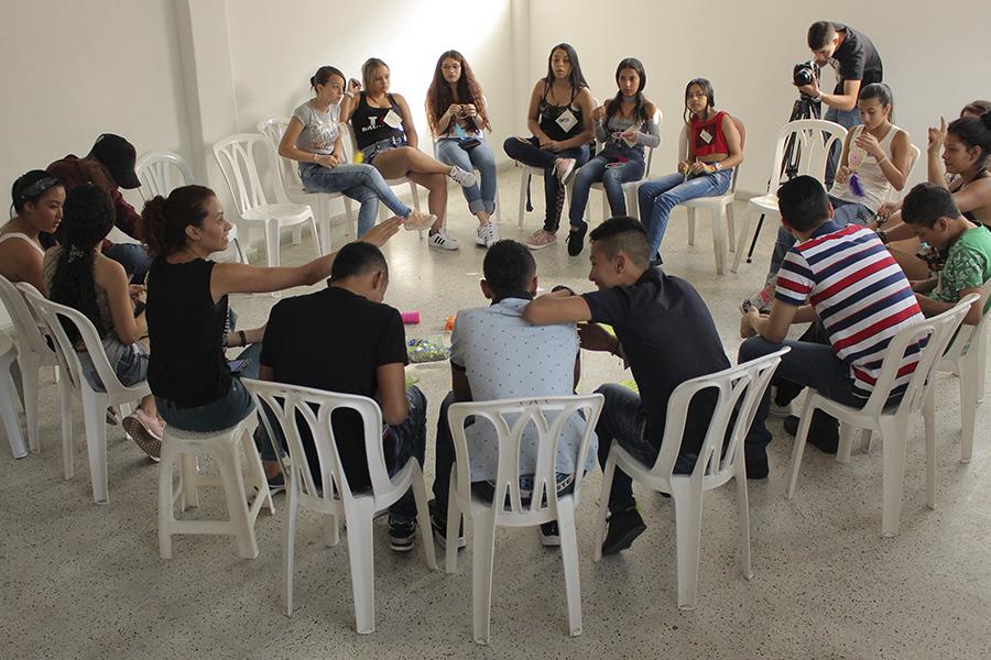 La danza, la cocina y el tejido: aprendizajes encaminados a la participación y la paz